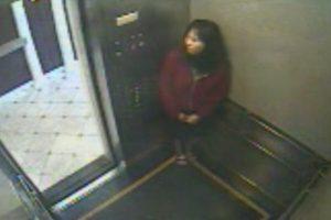 Elisa-Lam im Aufzug